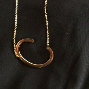 BNWOT Large initial C necklace